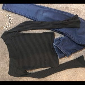 Urban Outfitters Tops - Xs Urban Outfitters off the shoulder crop top!